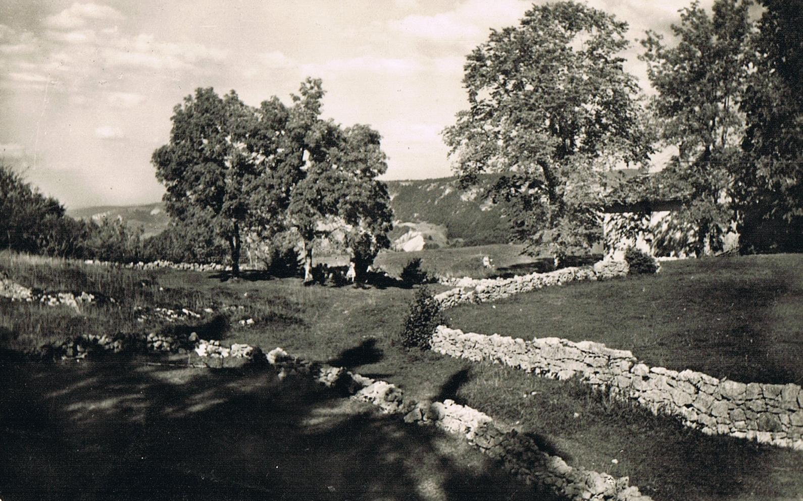 Clichés du Grand Père edités en cartes postales a partir de 1946.